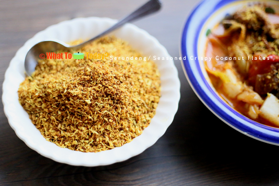 SERUNDENG / SEASONED CRISPY COCONUT FLAKES