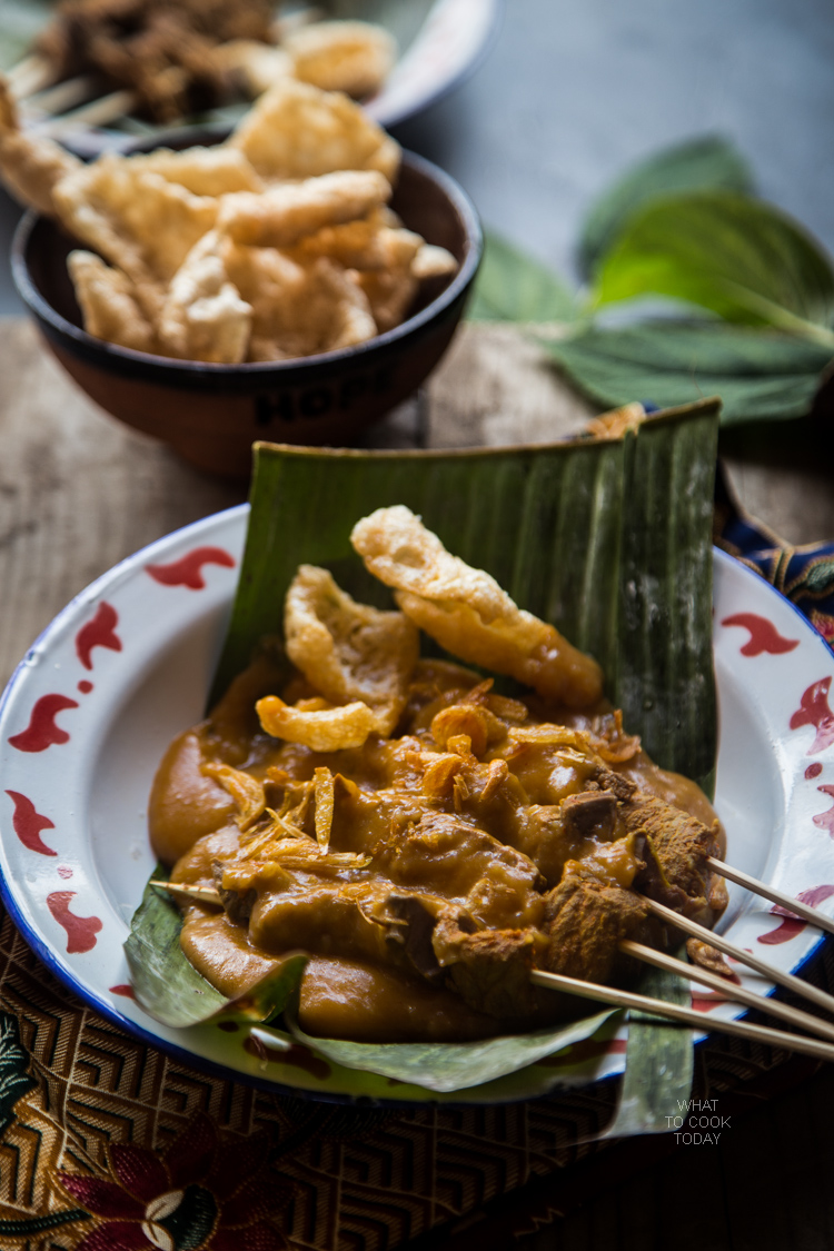 How to make sate Padang. Delicious and easy Indonesian sate that you can easily make at home. Click through for full recipe and step by step instructions