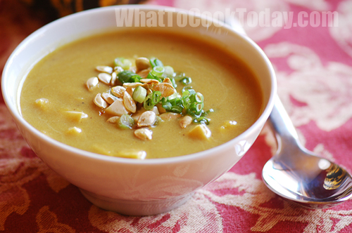 Golden curry pumpkin/butternut squash soup