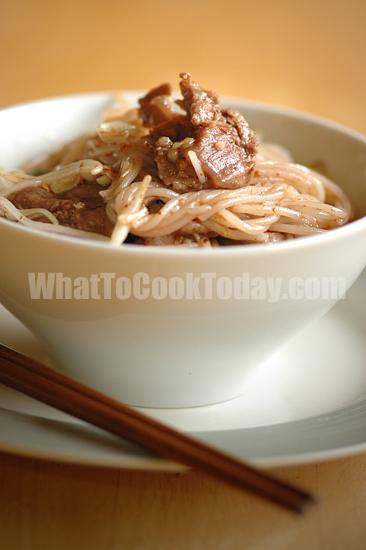 Rice vermicelli stir-fry
