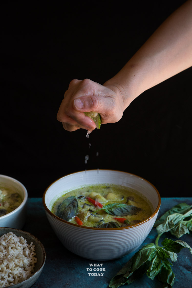How to make Thai Green Curry (with homemade curry paste). Delicious and easy Thai Green Curry (with homemade curry paste) recipe. Click through for full recipe and step by step instructions