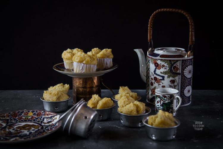 Kue Moho Labu Kuning (Steamed pumpkin cupcake)