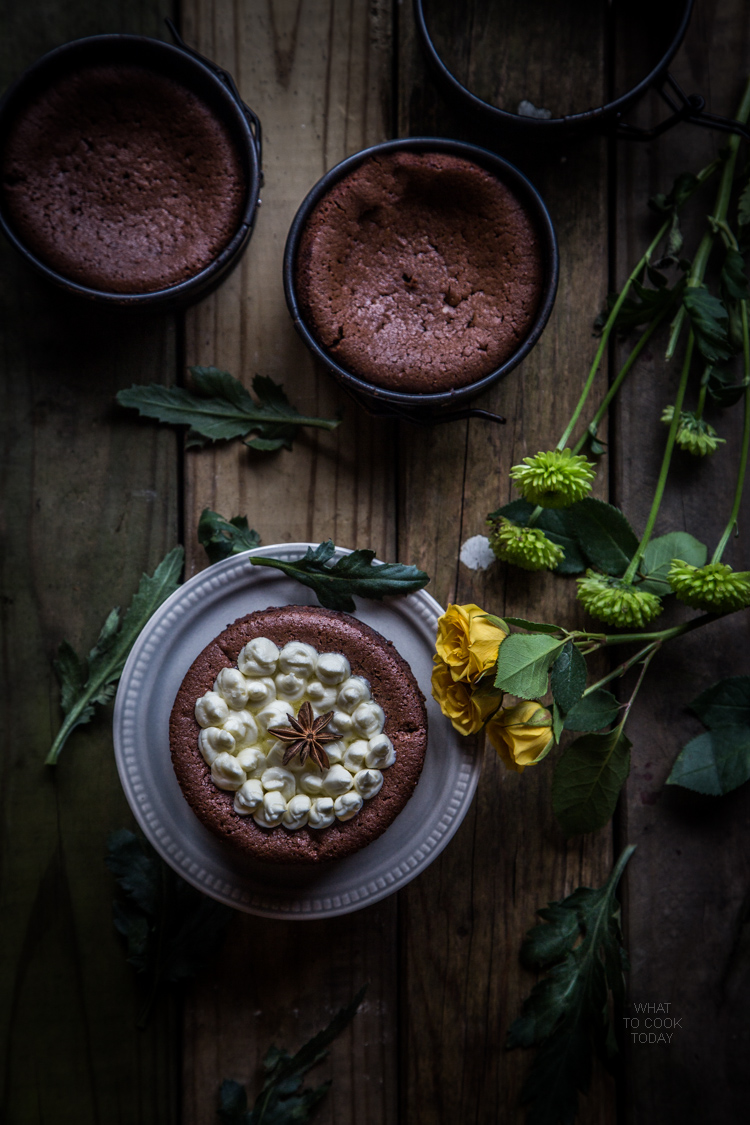 Five-spice flourless chocolate cakes
