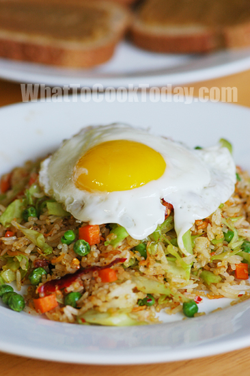 Fried Eggs with Fried Rice