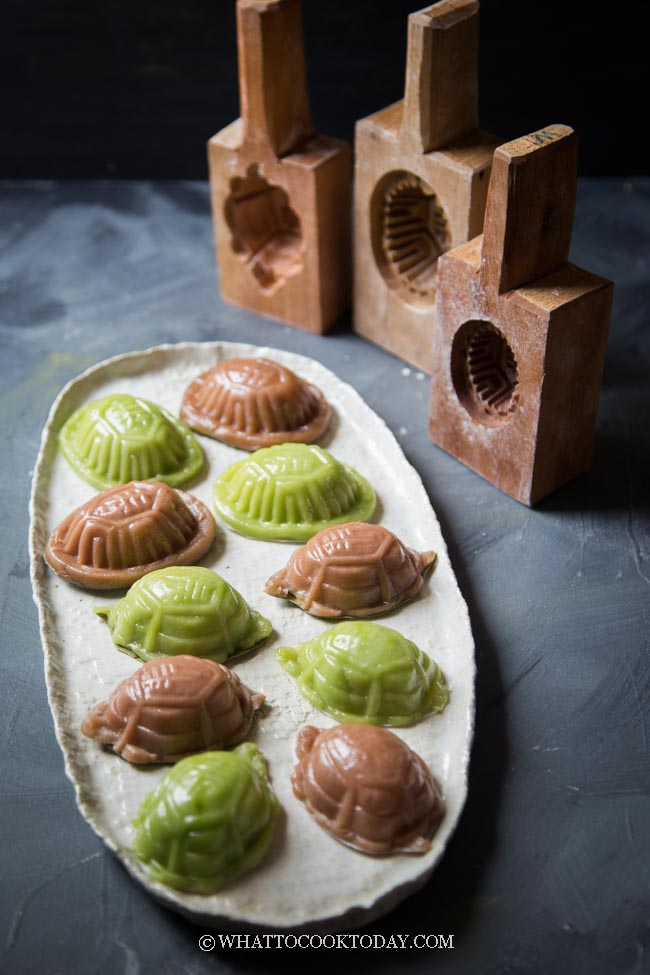 Easy Ang Ku Kueh with Mung Bean Paste (Tortoise Kueh) - Natural Colors