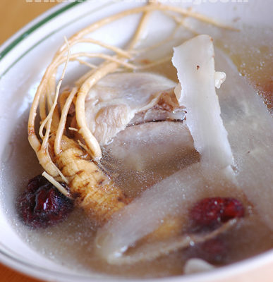 CHICKEN WITH GINSENG SOUP