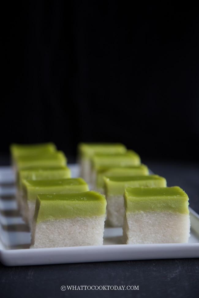 Kuih Seri Muka / Kueh Salat (with smooth surface)
