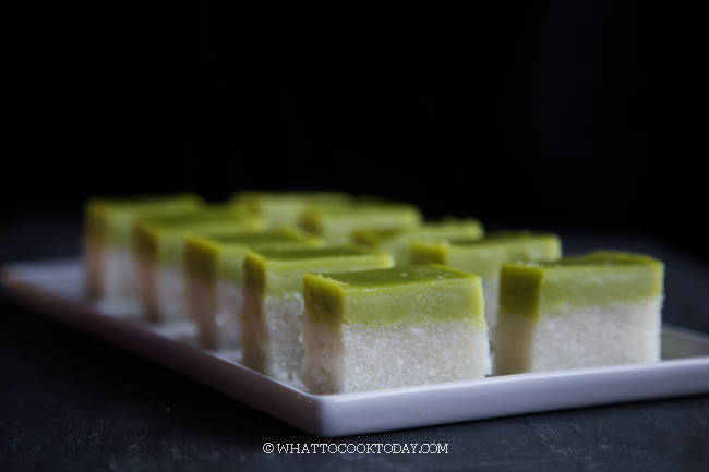 Kuih Seri Muka / Kueh Salat (with smooth surface)