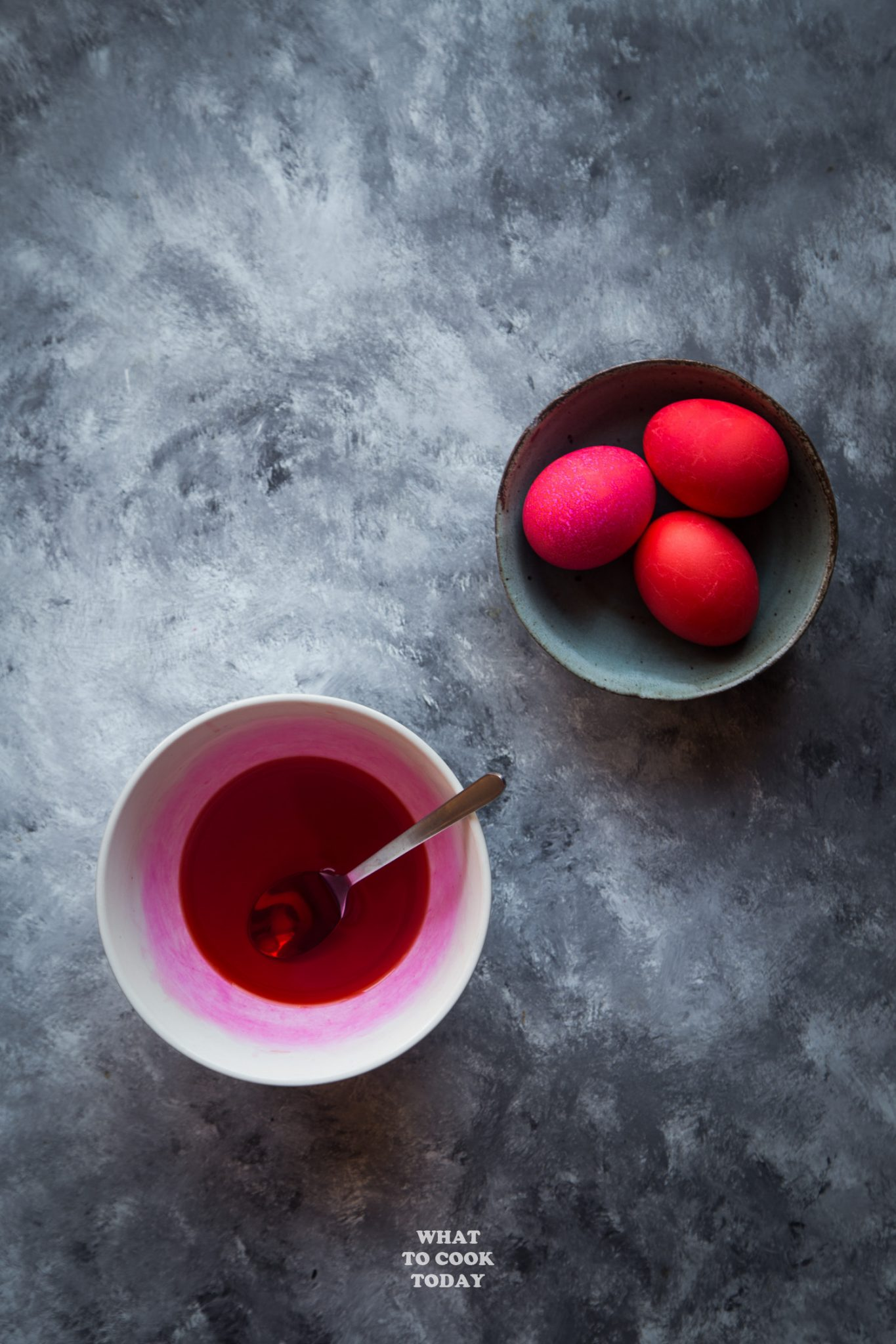 Nicely dyed red eggs