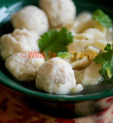 NOODLE SOUP WITH HOME-MADE FISH BALLS
