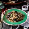 Kwe Tiau Radna (Thai Stir-fried Flat Rice Noodles with Gravy)