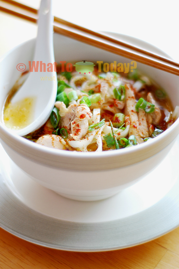 HOT NOODLE SOUP WITH SLICED DUCK