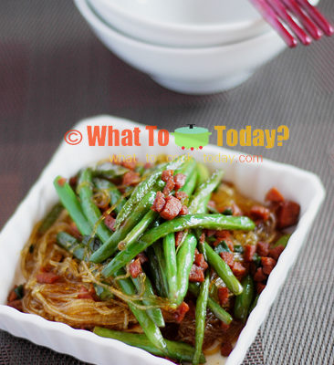 BRAISED GREEN BEANS WITH BEAN THREAD NOODLES