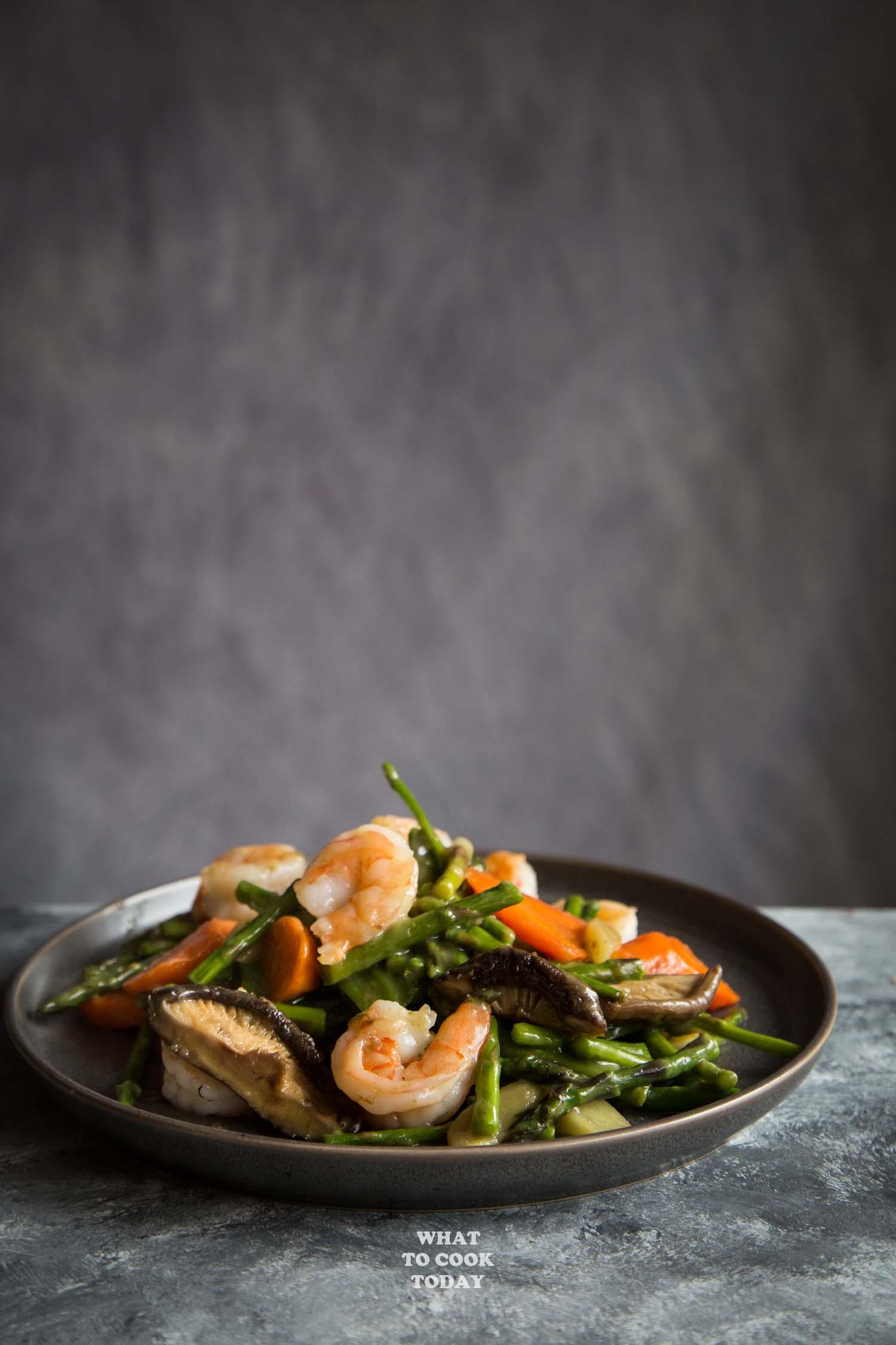Super Easy and Versatile Stir-fried Asparagus with Shrimp