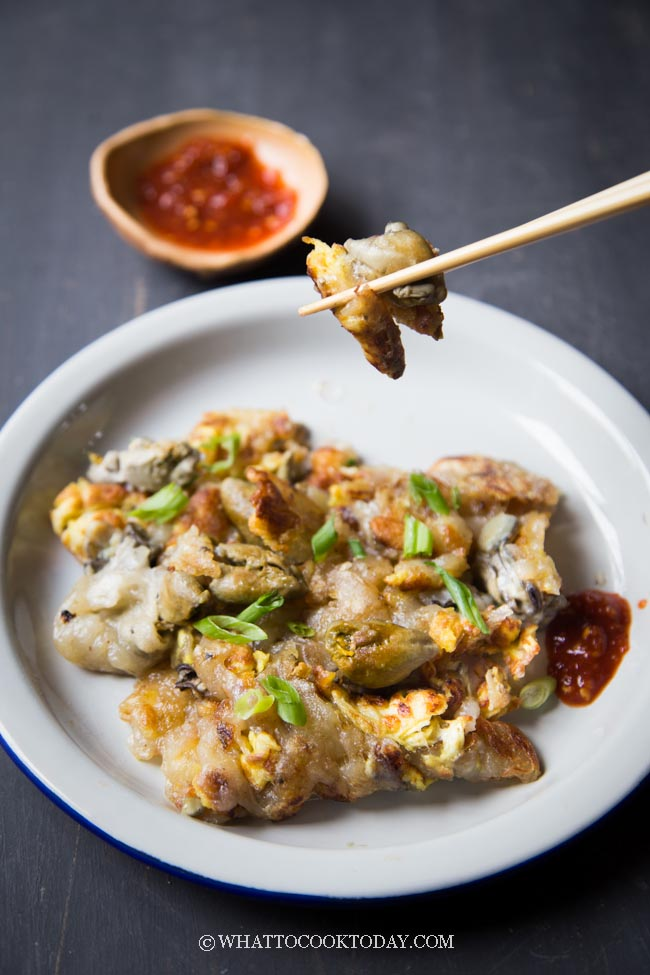 How To Make Orh Jian (Hawker Fried Oyster Omelette)