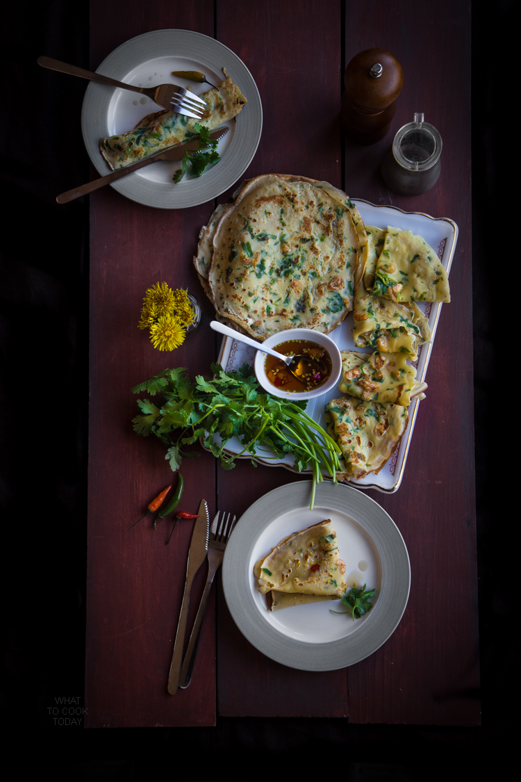 Thai savory crepes (Paen na goong)