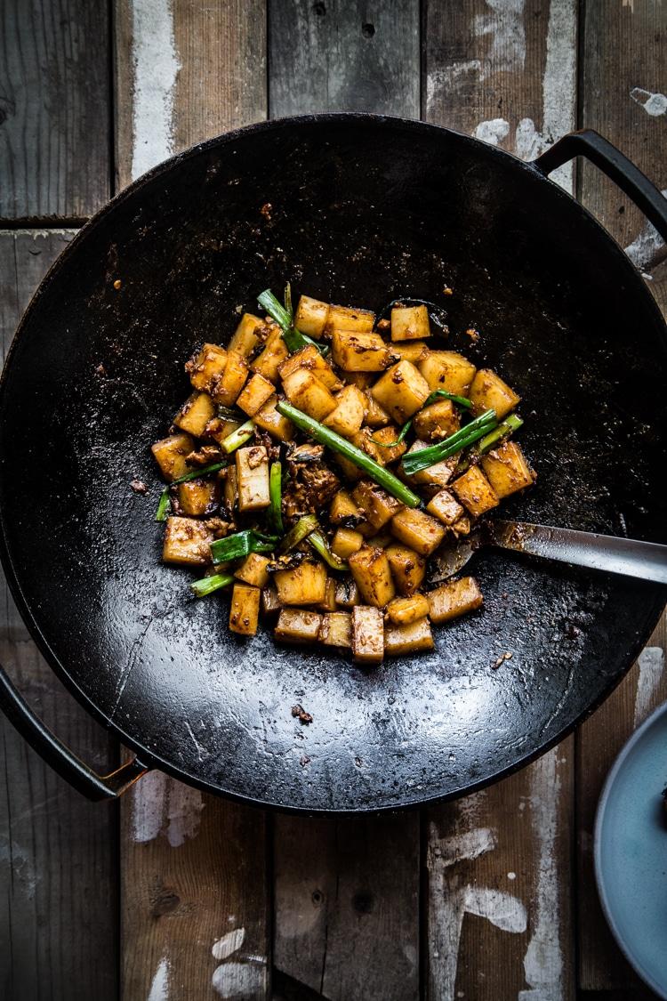Singapore stir-fried carrot cake