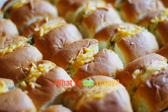 OLIVE, BACON AND CHEESE ROLLS