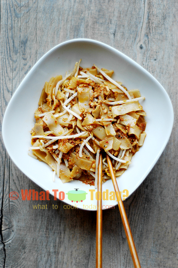 BAGAN-STYLE STIR-FRIED FLAT RICE NOODLE / BAGAN CHAR KWE TIAU