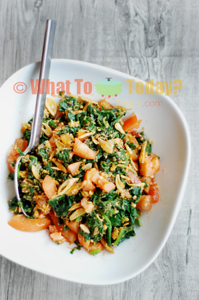 TOMATO AND SPINACH SALAD