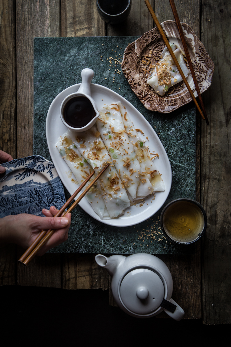 Chee cheong fun or sometimes called cheong fun and steamed rice rolls in English is made of rice flour, steamed to perfection and served with sauce. Perfect as snacks and commonly seen as one of the dim sum dishes.