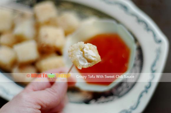 CRISPY TOFU CUBES WITH SWEET CHILI SAUCE