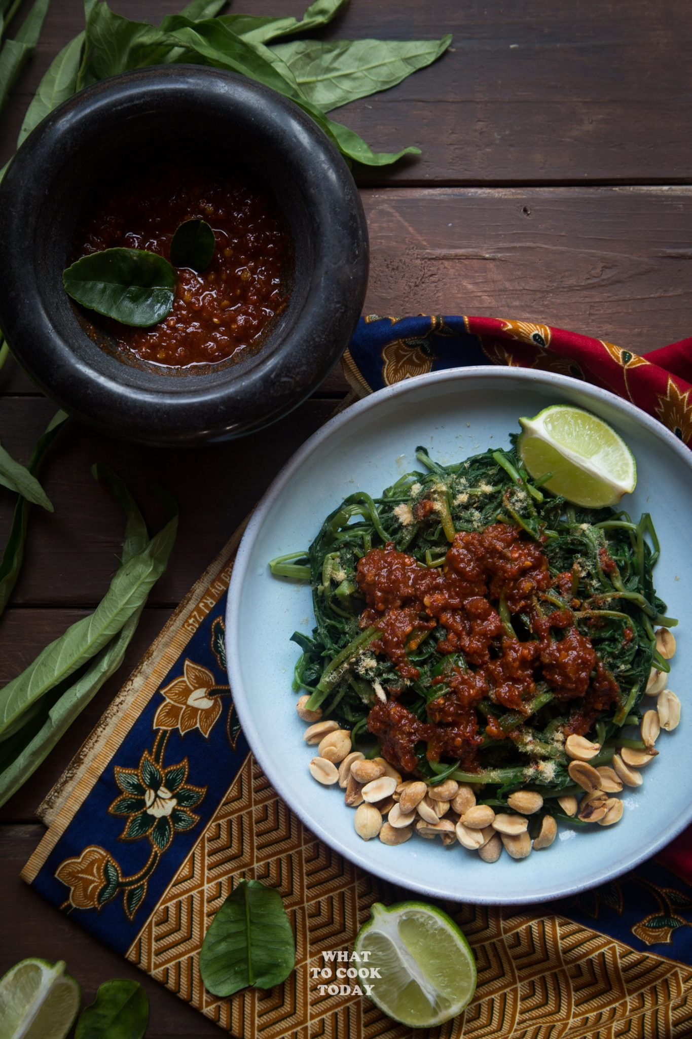 Lombok plecing kangkung (Water spinach with sambal)