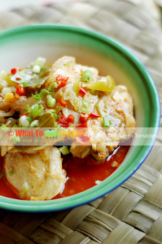 CHICKEN WITH GREEN TOMATOES