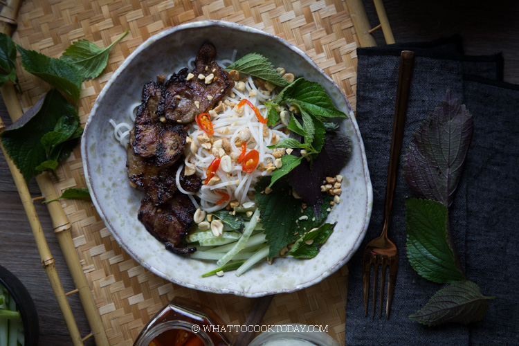 Bun Thit Nuong (Vietnamese Grilled Pork Rice Vermicelli Noodles)