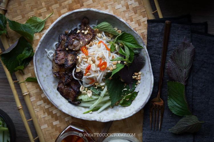 Bun Thit Nuong (Vietnamese Grilled Pork Rice Vermicelli Noodles)