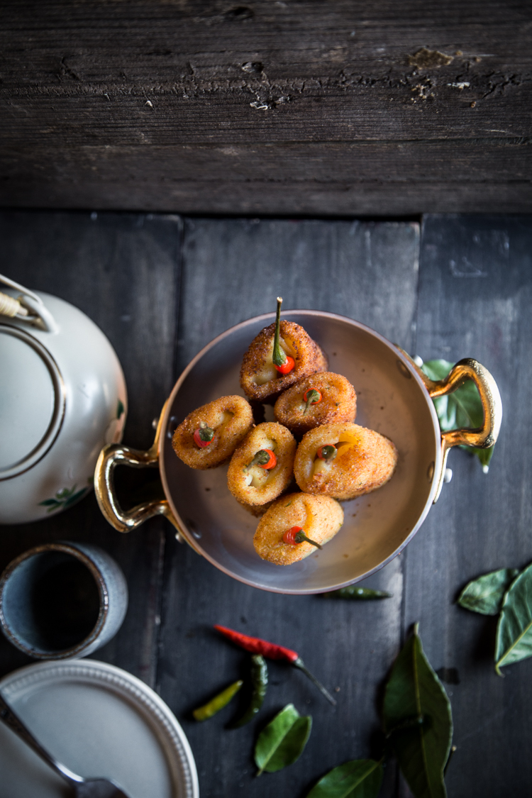 How to make delicious Indonesian Chicken Rissoles (Risol Ayam). Click through for full recipe and step by step instructions