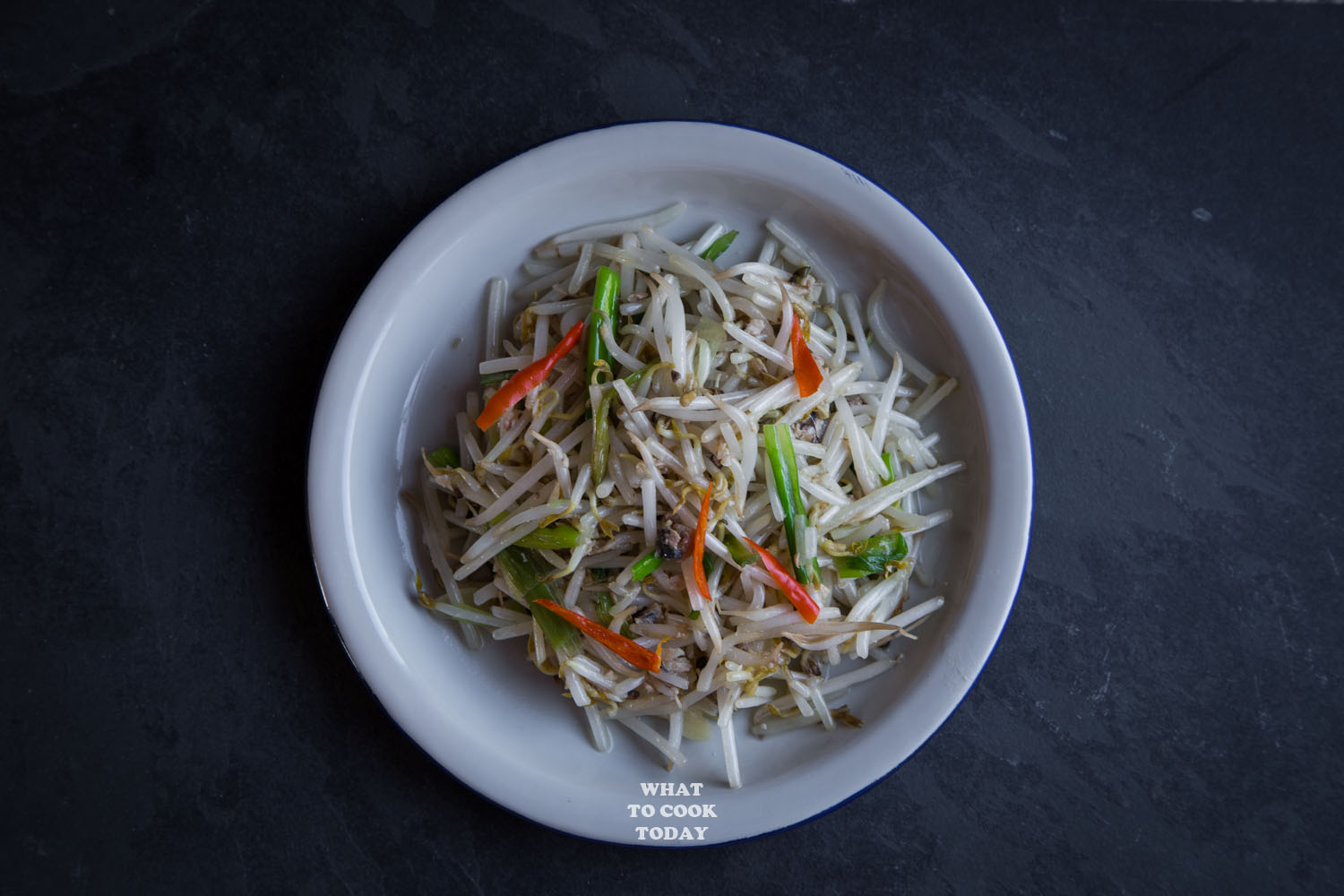 Tumis tauge ikan asin / Stir-fried bean sprouts with salted fish