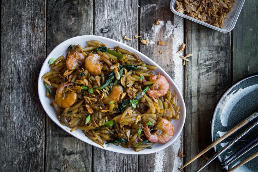 Stir-fried Rice Pin Noodles (Mee Tai Mak/Bee Tai Mak)