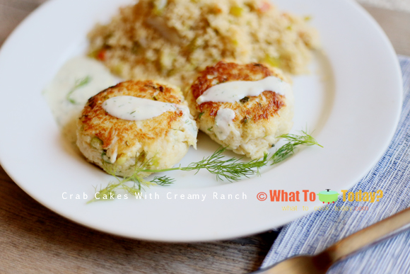 CRAB CAKES WITH CREAMY RANCH
