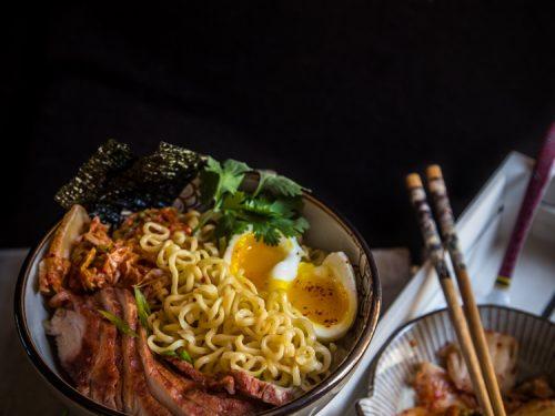 EASY KIMCHI RAMEN (4 servings)