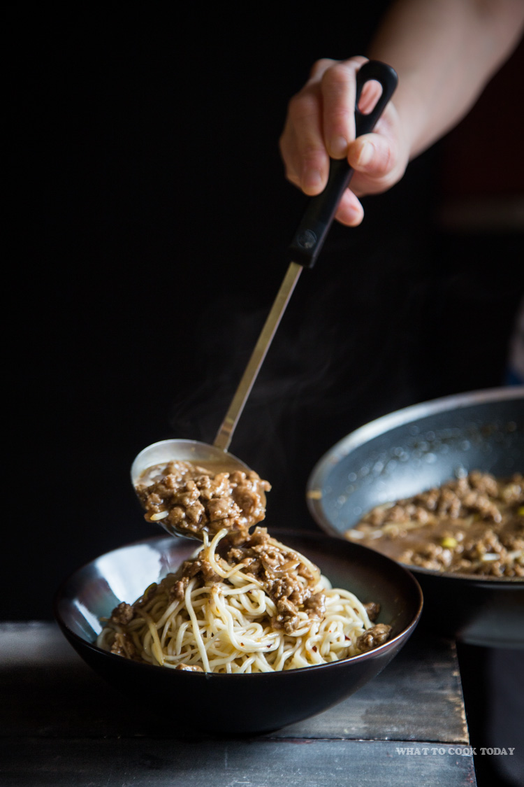 Zha Jiang Mian (Noodles in bean sauce)