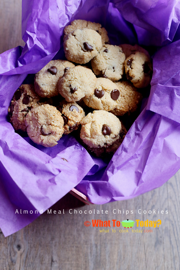 ALMOND MEAL CHOCOLATE CHIP COOKIES