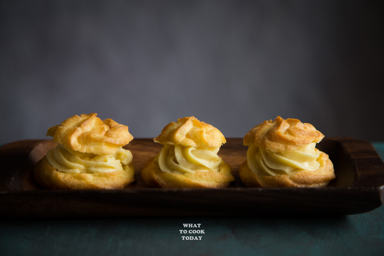 Kue Sus Isi Vla (Choux Pastry Cream Puffs)