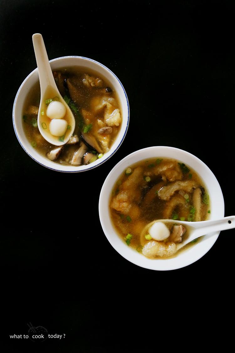 Savory glutinous rice balls in fish maw soup (tang yuan)