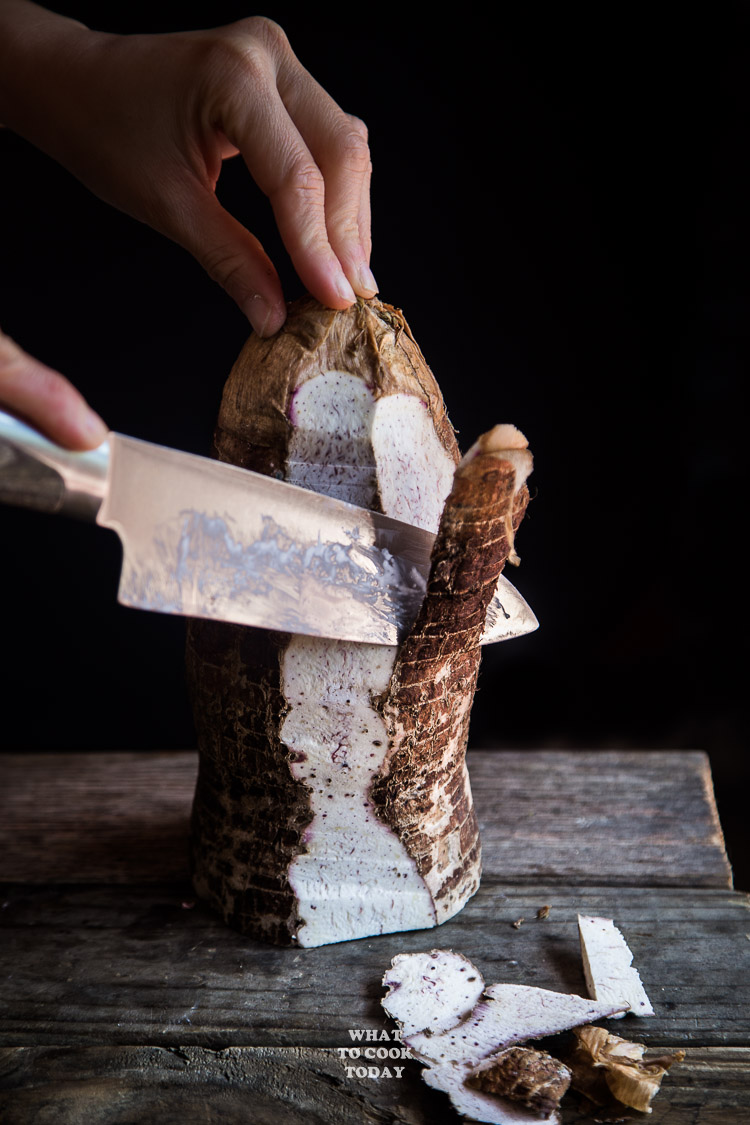 Kue Keladi/Oh Kue (Savory Steamed Taro Cake)