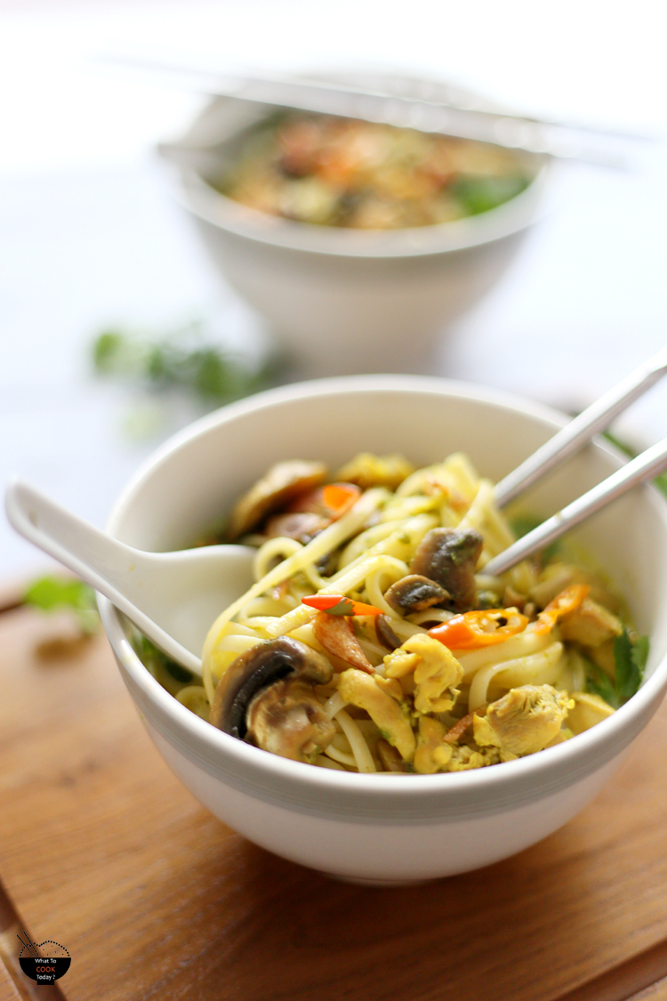 Linguine in lemongrass and coconut broth