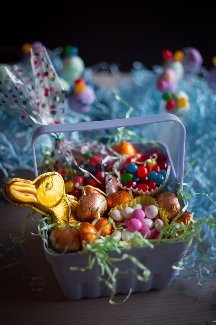 Easter egg pops #EasterSweets #ad
