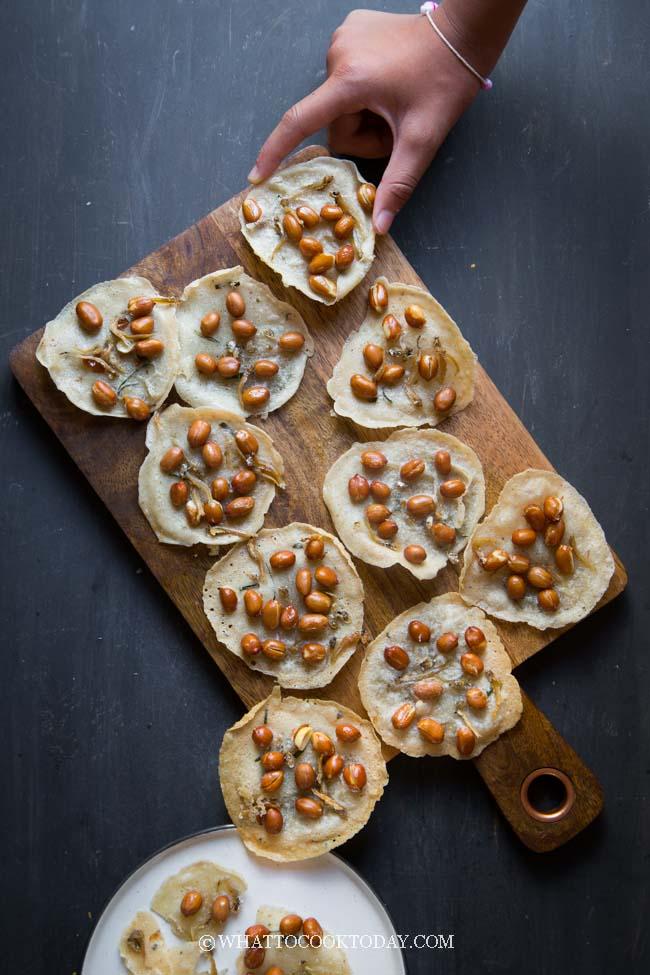 Rempeyek Kacang/Peyek (Crispy Peanut Fritters)