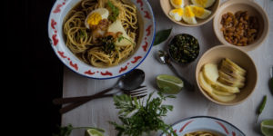 Indonesian boiled noodles with shrimp gravy (mie rebus)