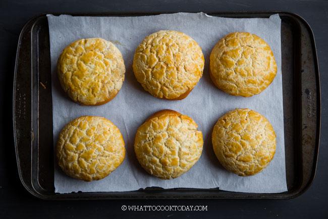 Po Lo Bao / Bo Lo Bao (Hong Kong Pineapple buns)