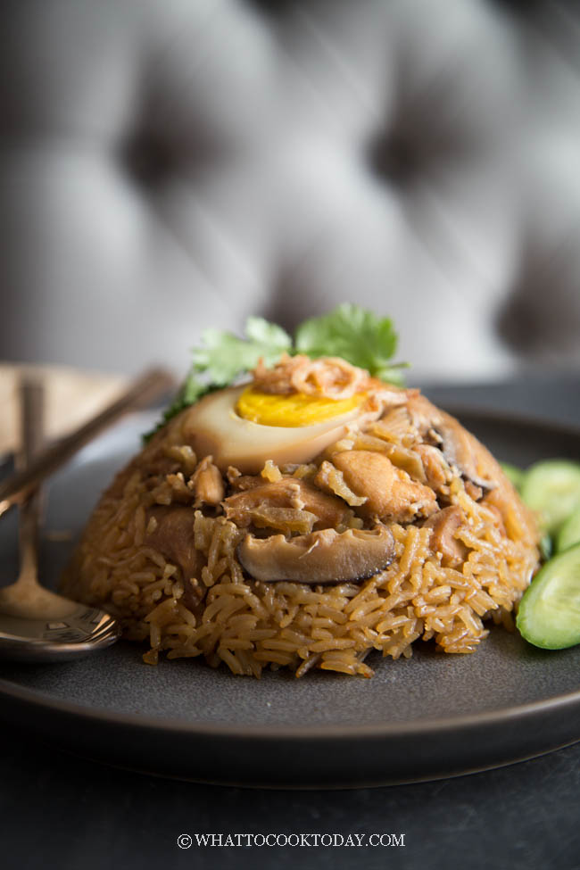 Nasi Tim Ayam Jamur (Steamed Rice with Chicken and Mushroom)