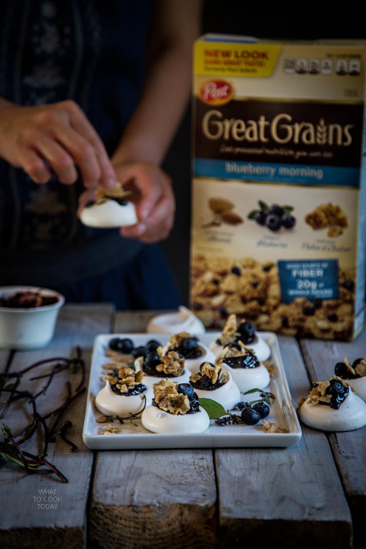 Mini rosewater blueberry pavlova #CerealAnytime #ad