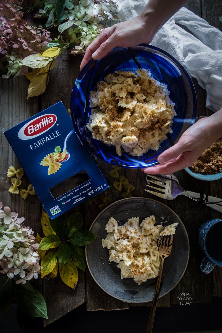 Farfalle with cheesy cauli sauce. So good you won't believe the sauce is made of cauliflower #FamilyPastaTime #ad
