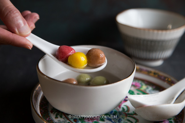 Tang Yuan / Wedang Ronde (with natural colors)