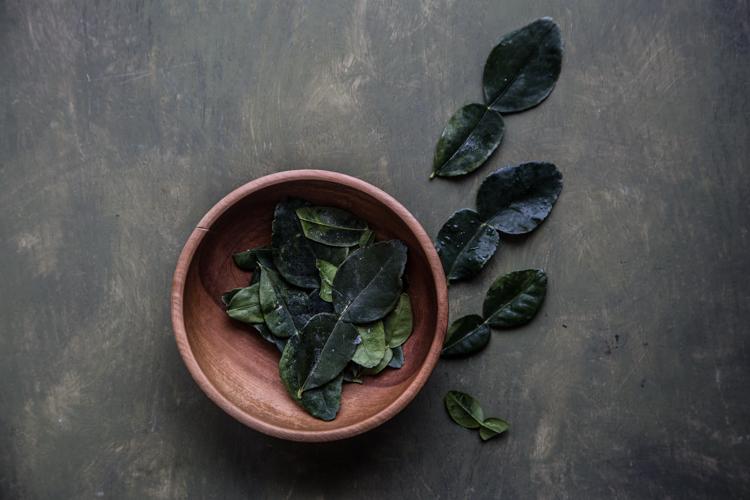 Kaffir Lime Leaves (Daun Jeruk)